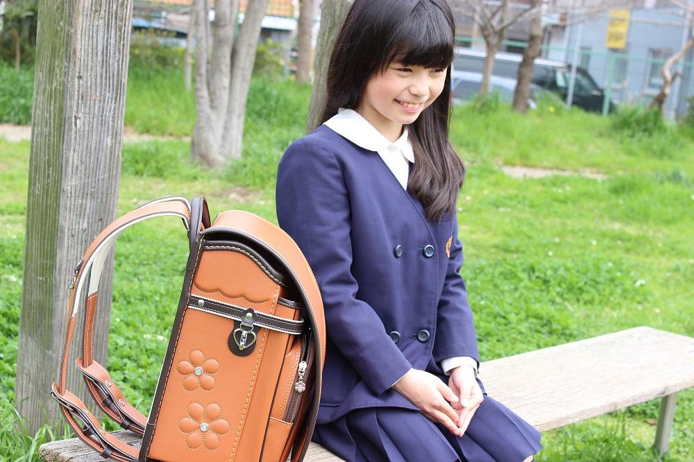 キャメルのランドセルは、可愛くてちょっぴり大人な女の子への第一歩 写真