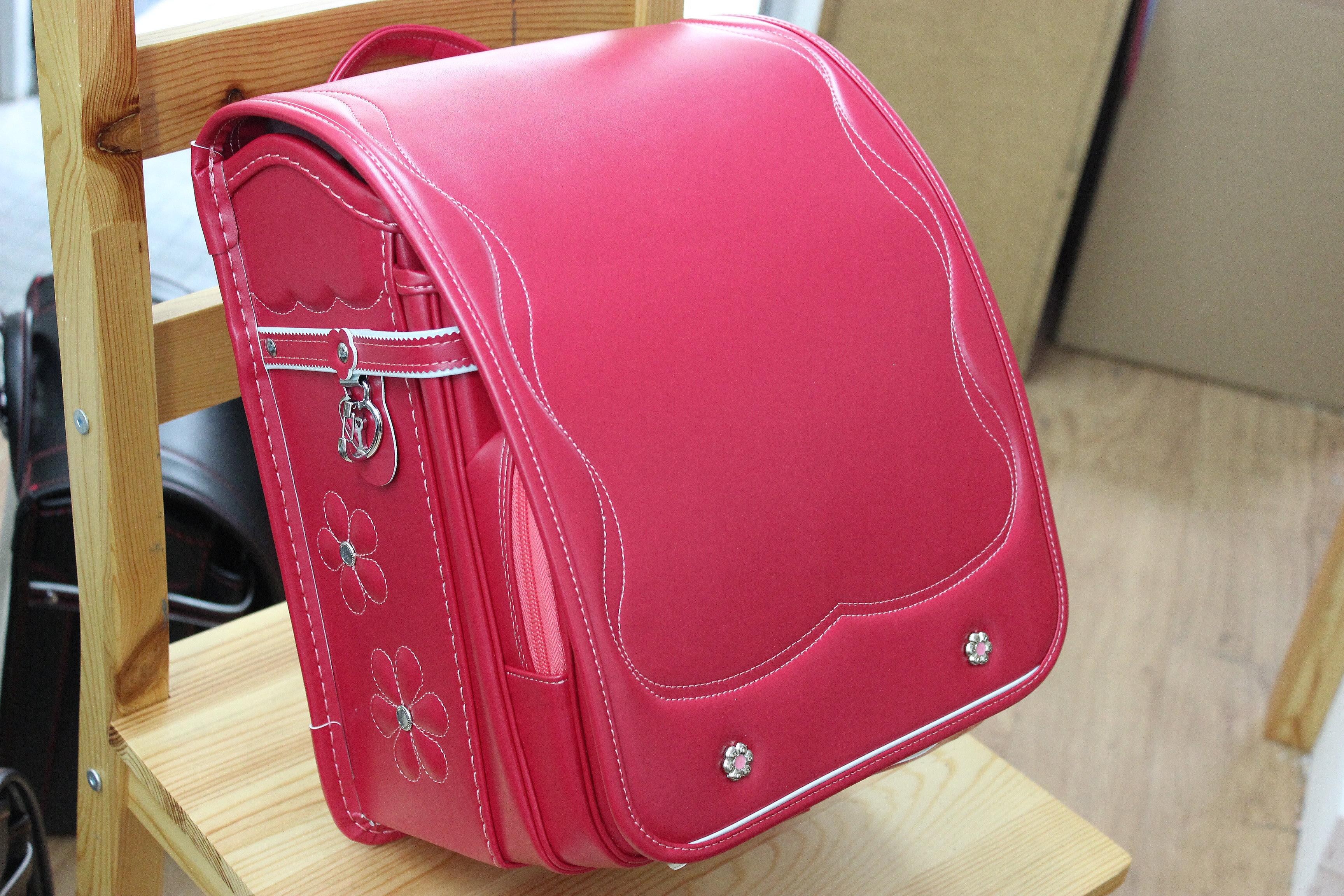 堀江鞄のピンクのランドセル