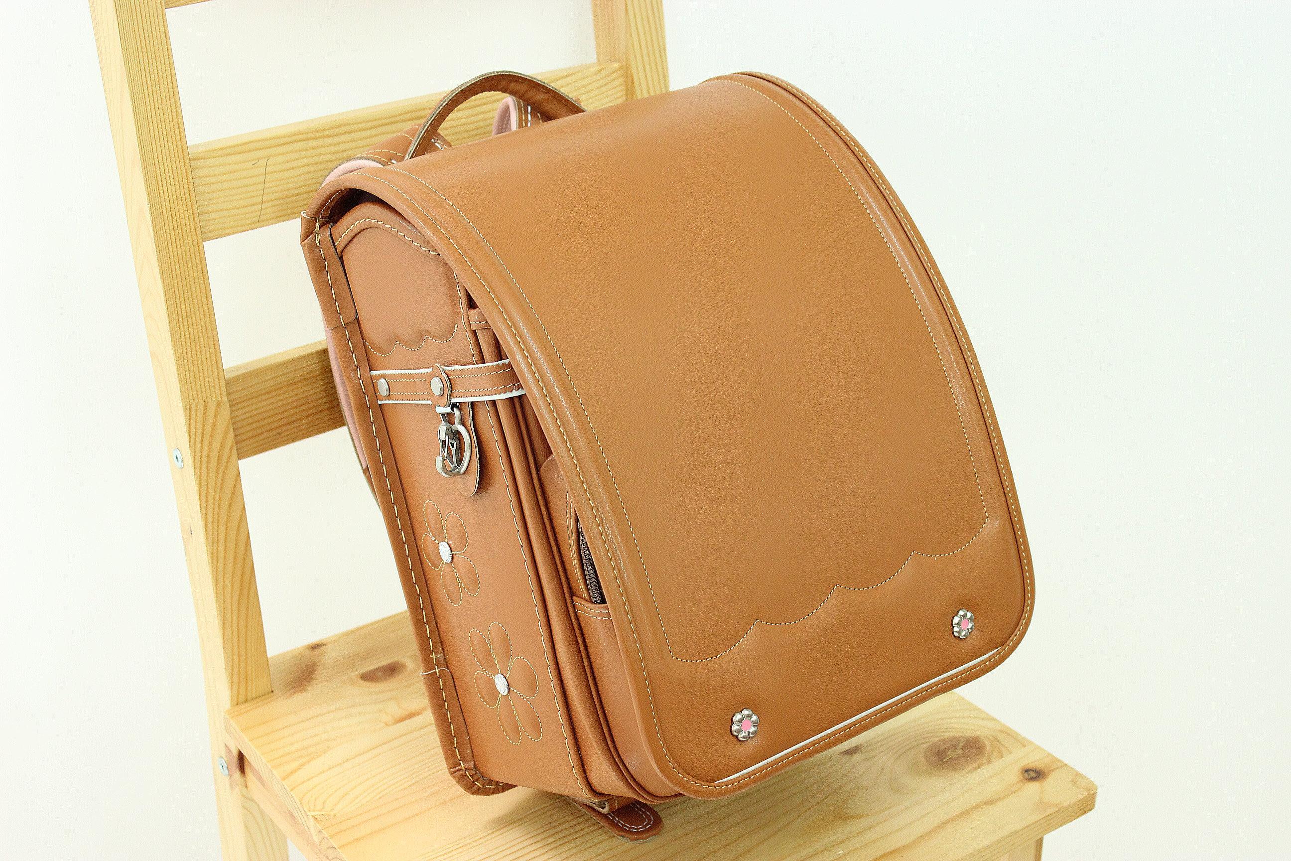堀江鞄のキャメルのランドセル