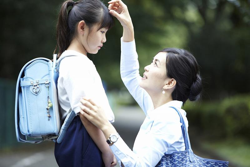 「助けてママ!」ランドセルに髪がからまる女の子多数!?原因や対策について
